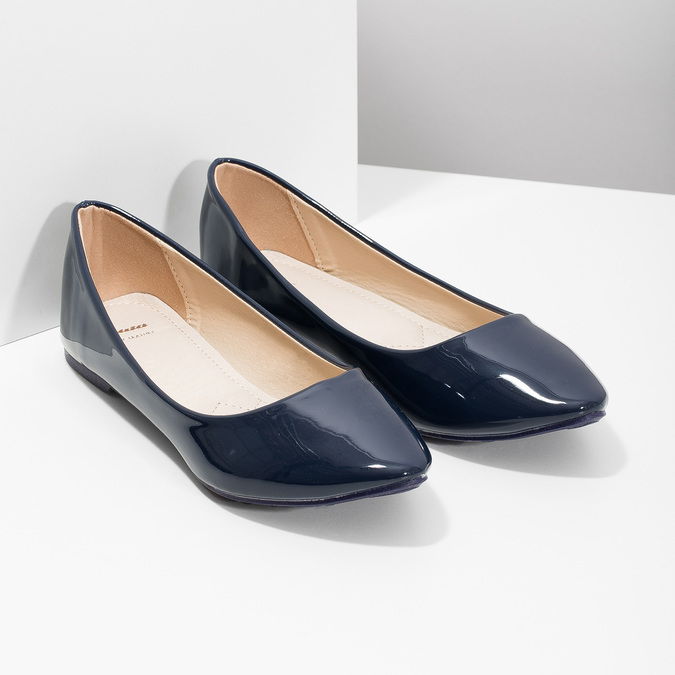 Ladies' patent leather ballerinas bata, blue , 521-2602 - 26